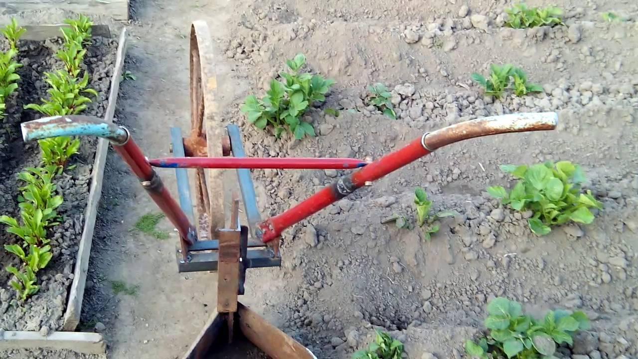 Как выбрать окучник для картофеля — ручной, тракторный и на культиватор? практичные советы.