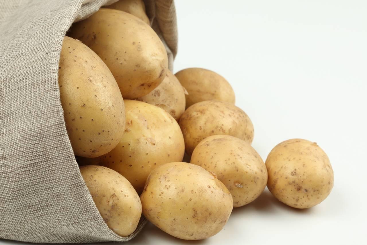 Как окучивать картошку?