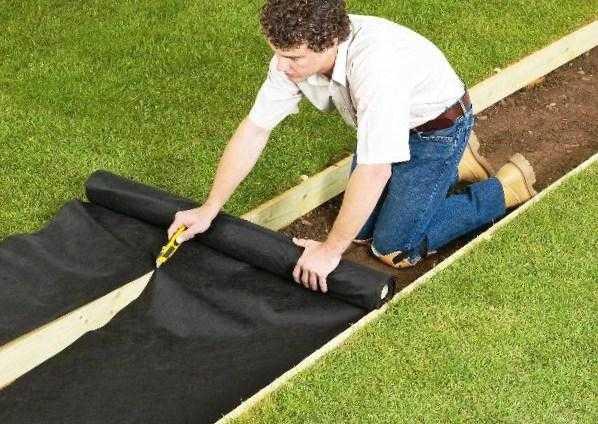 Как сделать клумбу без сорняков