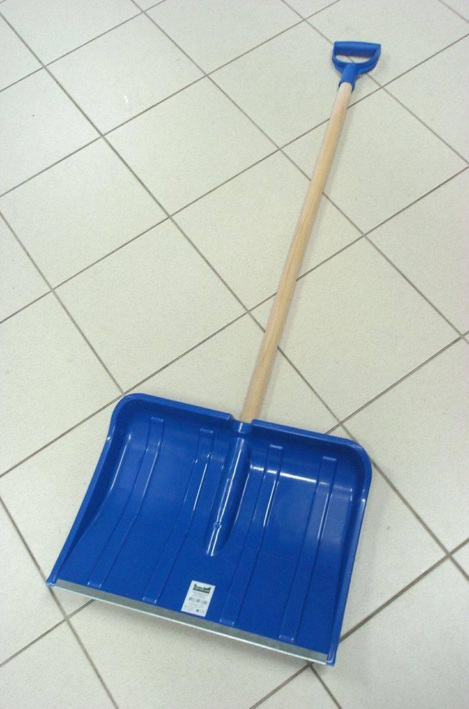 Немного о выборе лопаты для внедорожника. особенности разных видов лопат.