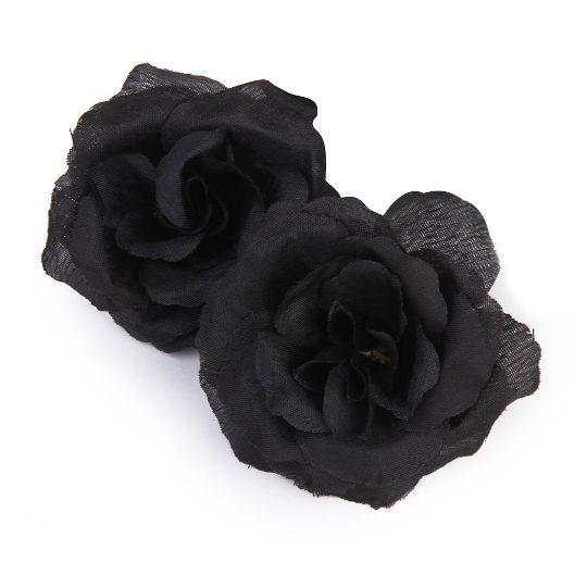 О черной розе: существуют ли в природе цветок розы с черными лепестками