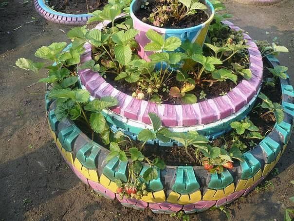 Как сделать садовую клумбу из шин и покрышек