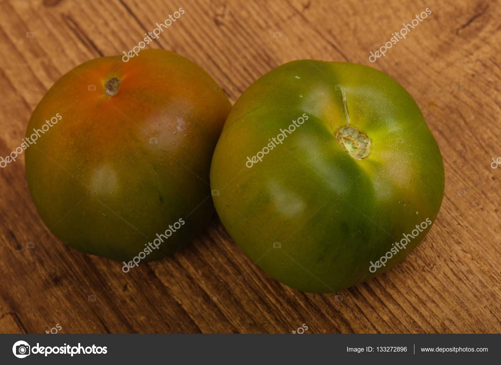 Томат кумато – среднеспелый черный помидор с отменными вкусовыми характеристиками