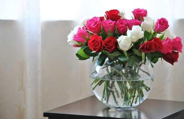 Как сохранить срезанные цветы дольше: советы и рекомендации