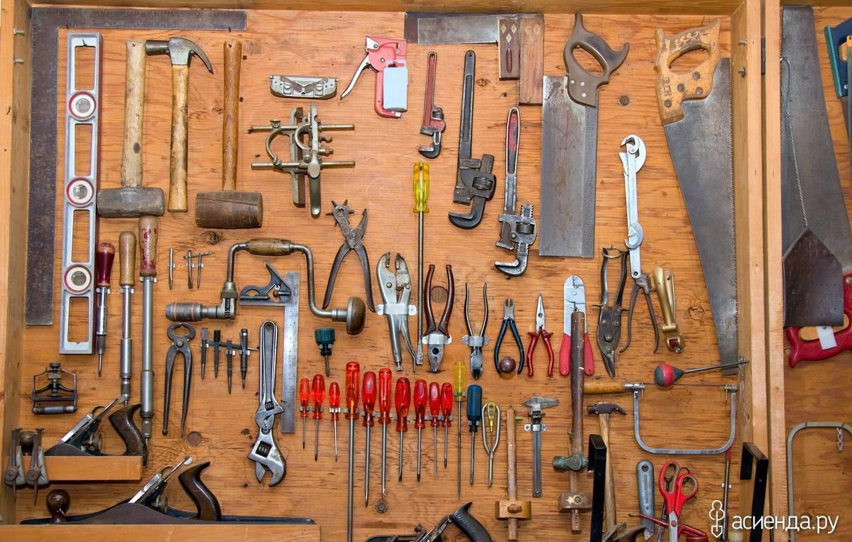 7 решений для компактного хранения садового инвентаря