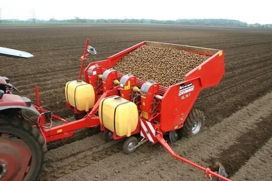 Картофелесажалки для мини-трактора: особенности и тонкости выбора