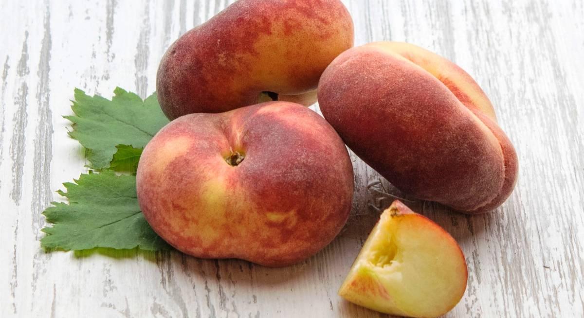 Инжирный персик – как вырастить из косточки, правила ухода, почему трескается?