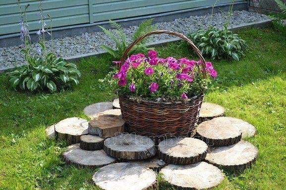 О садовых клумбах своими руками: красивые композиции, вазоны и держатели