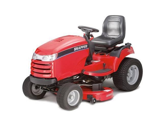 Особенности выбора садовых тракторов-газонокосилок