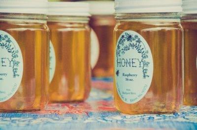 Почему мед не засахарился в течение года